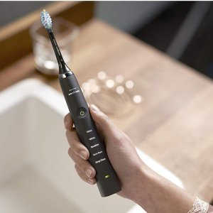 2支装¥1343Philips 新一代钻石电动牙刷 带充电玻璃杯