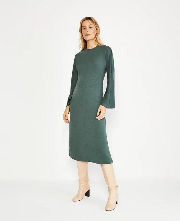 阔袖连衣裙