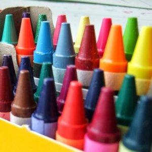 $4.97(原价$7.99) 6.2折白菜价:Crayola 全彩油画棒 96支装蜡笔 内赠削笔刀