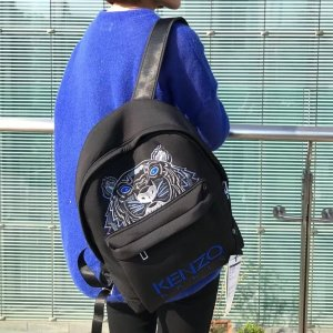Kenzo8折,30*39*12 cm虎头双肩包