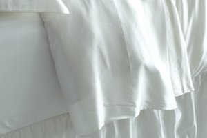 The Best 100% Mulberry Silk Sheets & Silk Sheet Sets | Manito Silk
