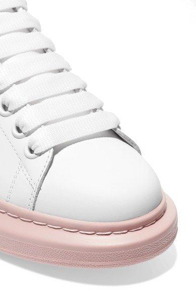 粉底小白鞋