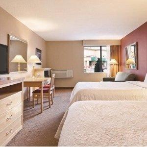 额外8.5折 仅$38.25住1晚独家:Days Inn 大瀑布酒店 免费早餐免费WiFi 还送餐券、景点门票