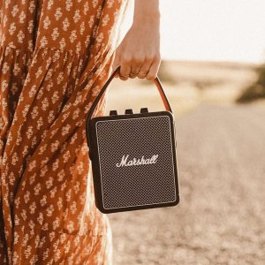 低至5折 €125收封面便携音箱Marshall 复古蓝牙音箱 音质颜值可以兼得 秒升生活品质