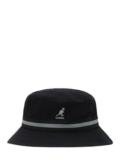 黑色渔夫帽