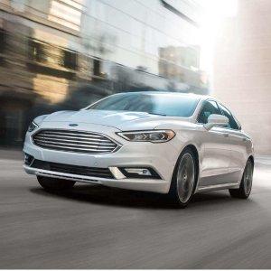 美式肌肉轿车的温柔全新 2018 Ford Fusion 四门轿车