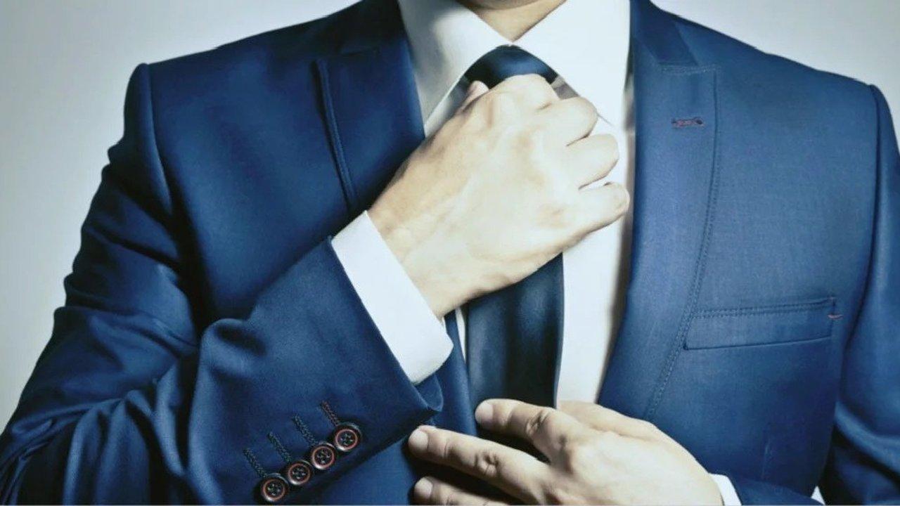 初入职场,男士标配的领带你会系吗? 男士高级领带的系法
