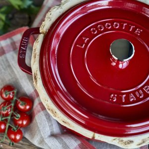 StaubCast Iron 4 qt, round, Cocotte, cherry - Visual Imperfections