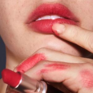 Last Day: Enjoy 25% offwith lipstick purchase @ MAC Cosmetics