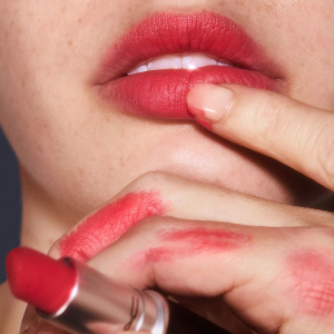 $13.88 + 免邮最后一天:MAC Cosmetics官网 经典明星产品子弹头唇膏7.5折热卖