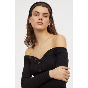 H&M露肩上衣