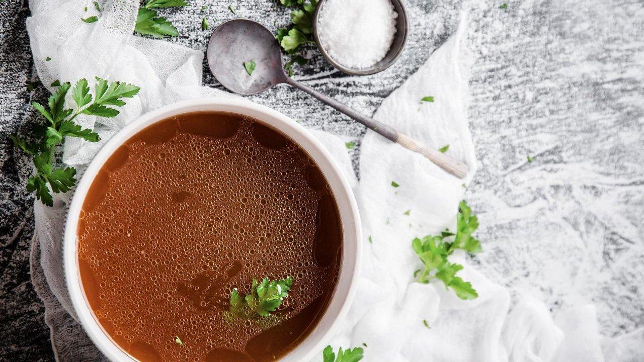 随手煮高汤,就这么简单 | 主厨亲授🏅️熬制一锅好汤的秘诀 | 附鸡高汤食谱