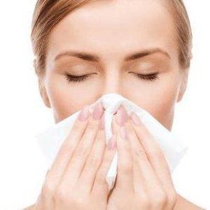 脸发红瘙痒红血丝长痘痘 用它们就有救过敏肌应该用什么产品?请收下这份敏感肌种草清单