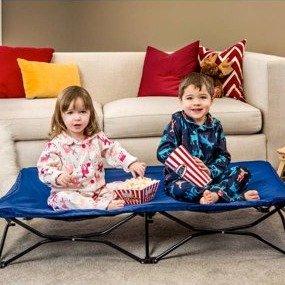 $27.99 (原价$39.99)Regalo 便携式幼童床 蓝色粉色两款可选,适合旅行携带