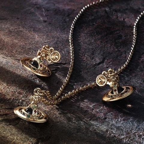 5折起 £35收小土星发夹Vivienne Westwood 配饰专场 收小土星耳饰发夹、腰带卡包