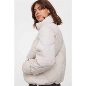 H&M20% Off with $75Boxy Puffer Jacket