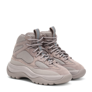 $248.4(原价$395)暂码全 两色可选Yeezy Boost 500高帮运动鞋 将军装与复古元素结合