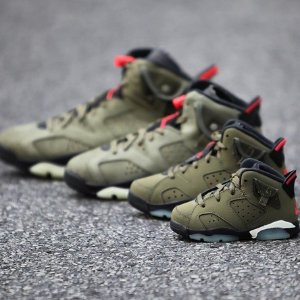 $250Air Jordan VI x Travis Scott