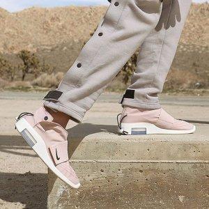 17日美东10点整 $170+包邮新品上市:Air Fear of God Moc 运动鞋 黑、粉双色同时开售