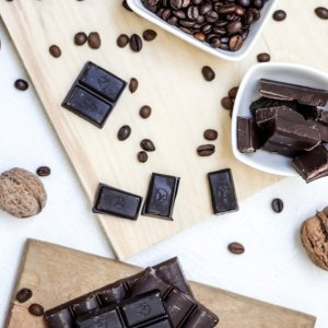 8折起 低至$2.36宅家必备零嘴 可甜可盐巧克力 $11.86收 Lindt 巧克力礼盒