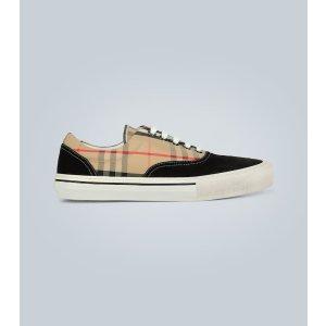 Burberry格纹鞋