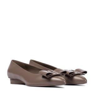 Salvatore FerragamoViva 新款尖头芭蕾鞋