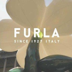 4.1折起 1927浅银色迷你包€51.3Furla 骨折价 收经典1927、豆腐包、晚香玉系列等 拉链钱包€55.1