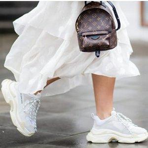 """帮你晒一晒所有不值一提的迷茫你需要一双像""""太阳""""一样的老爹鞋"""