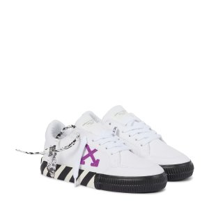 Off-White满£600减£100箭头小白鞋