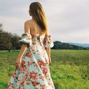 低至25折 £17收田园碎花上衣Urban Outfitters 田园风 碎花、复古、甜美都有哦!