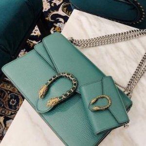 马蹄斜挎包£400收Gucci mini包包在线推荐 最新时尚 包包越小你越潮 断货超级快