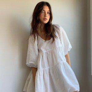 低至3折Aritzia 折扣区春夏上新 收封面娃娃裙