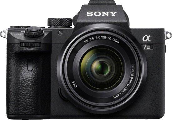 Sony a7 III 全画幅无反相机 + 28-70 mm F3.5-5.6 镜头