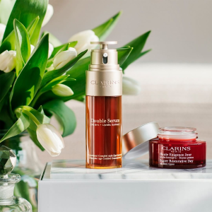FREE 6-Piece Giftwith any $100+  @ Clarins