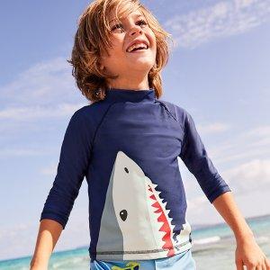 8.5折 防晒很重要Mini Boden官网 儿童泳衣、沙滩服饰热卖