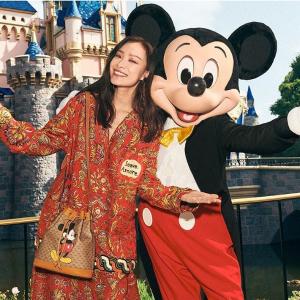 收倪妮同款米奇水桶包Disney x Gucci 联名合作系列官网开售,中国鼠年特别限定