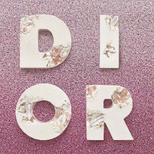7折起 $74收口袋方巾Dior Homme 男装 $368收刺绣logo短袖 $805收老花休闲裤