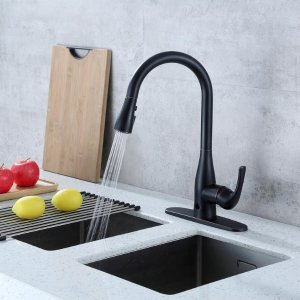 Single-Handle Pull-Down Sprayer Kitchen Faucet with Motion ...