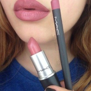 Free 6 SamplesWith any $50 Orders @ MAC Cosmetics