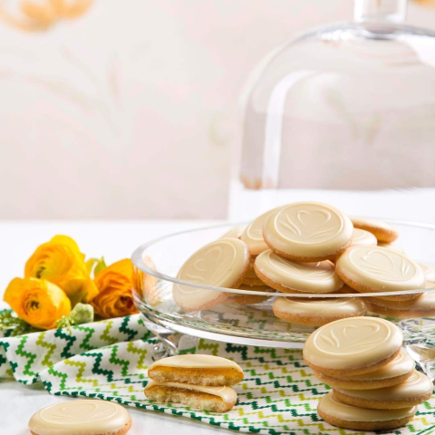 $4.43 for Pack of 12Biscolata Pia Chocolate and Lemon Filling Cookies Snacks