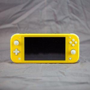 不能 Switch 的 Switch 还叫 Switch 吗游戏抢鲜看:Nintendo Switch Lite, 为掌机玩家而生
