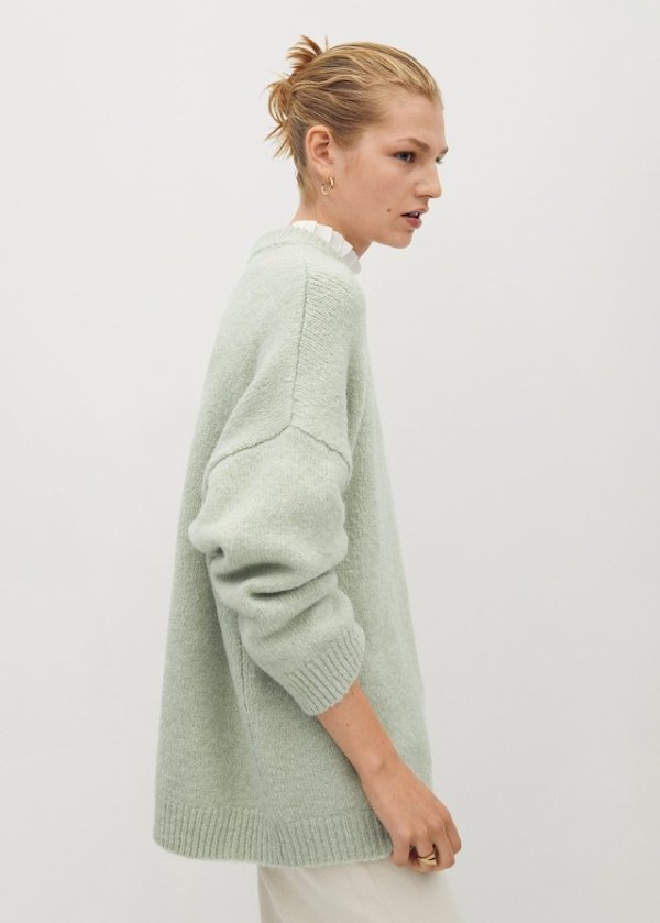薄荷绿毛衣