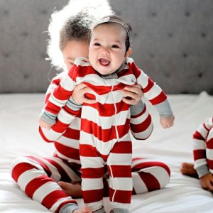 Starting at $10+extra 10% offFamily Pajamas Arrival @ Burt's Bees Baby