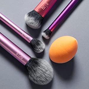 $32.45(原价$34.29)Real Techniques 化妆工具套装特卖 入手刷具套装+美妆蛋套装