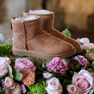 UGG Australia 折扣区鞋子、服饰等促销 毛毛拖$31