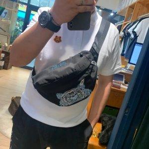 Kenzo8折,22*19*6 cm虎头腰包