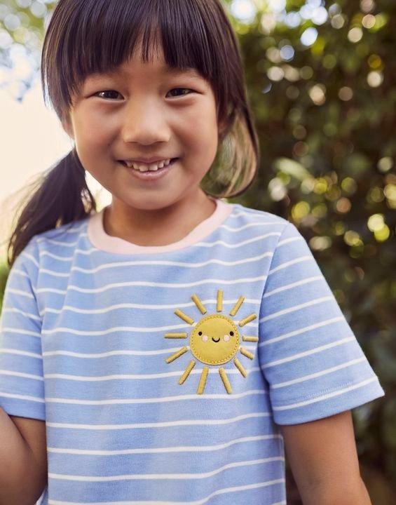 女童贴布绣条纹连衣裙