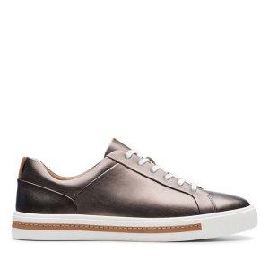 Clarks金属质感板鞋