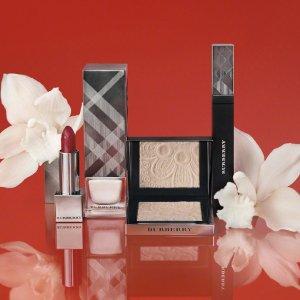线上低至7.2折Burberry 彩妆 节日精选彩妆热促 收经典唇釉、格纹眼影