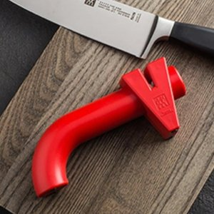 折后仅€11.94!适用于所有平刀刃Prime Day 狂欢价:Zwilling 磨刀器 外形时尚 粗磨细磨一步到位